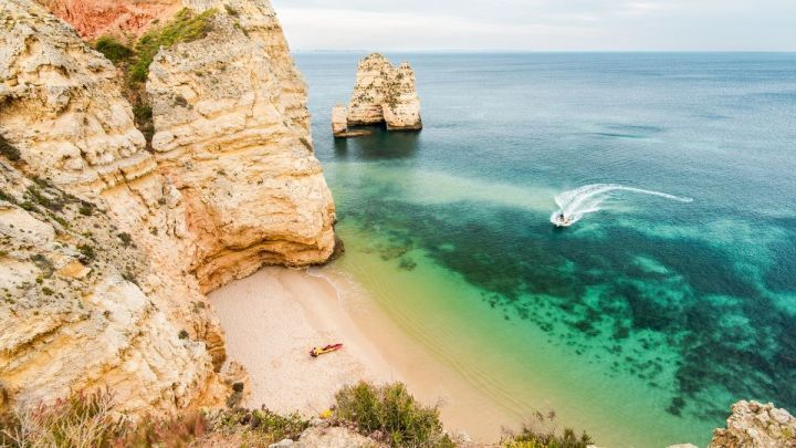 Lagos Or Albufeira: Which One Should You Visit?
